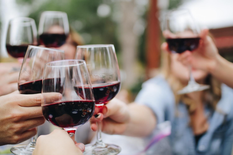 6-botellas-de-vino-que-necesitas-para-empezar-tu-coleccion
